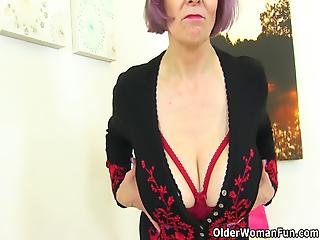 British Gilf Tigger Locks Herself In The Bathroom And Gets Busy With A Dildo On The Toilet Bonus Video: English Gilf Elaine