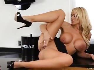 Lucy Zara Sexy Striptease And Blow Job Joi!!