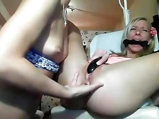 Anal And Vaginal Pleasures With Sex Toys Oon Webcam