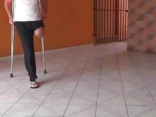 Amputee Crutcing Lak