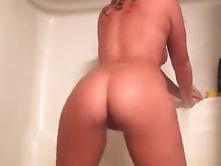 White Girl Masterbating In The Shower