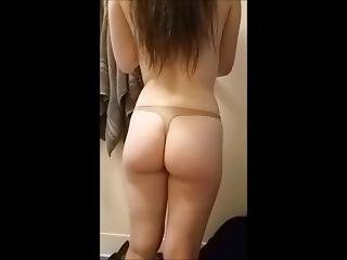 19yr Old College Slut Sucking Dick In The Shower