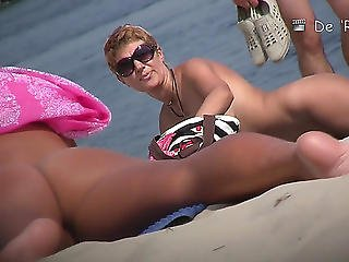 Her Large Melons Are Astonishing Everybody On The Beach