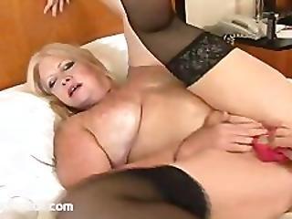 Chunky Mature Carla Masturbates