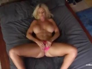 Tommie Jo Plays With Herself