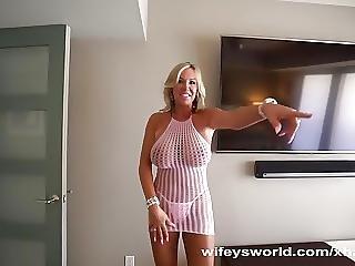 Wifey Slurps Up Cum From Her Creampie