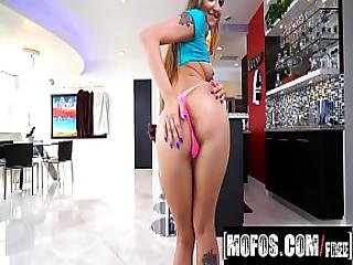 Mofos - Avery Adair Porn Video - I Know That Girl