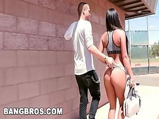 Bangbros - Watch Xander Corvus Fuck Gianna Nicole In A Public Park