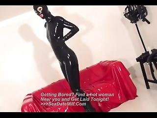 Sexy Latex Lady Extracts A Big Load From A Lucky Dude