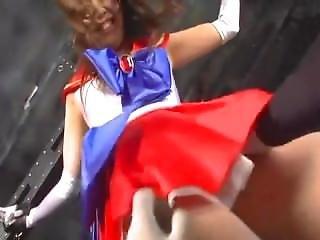 Japanese Heroine Tickling