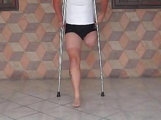 Amputee Crutcing 2 Lak