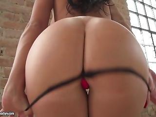 Vlentina Ricci-brunette Booty Banged