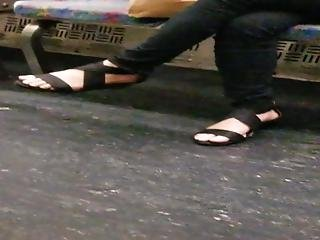 Asian Toes 1