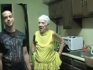 bedstemor, køkken, små bryster, squirt, ung