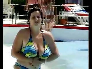 Heavy Bouncing Tits In A Bikini