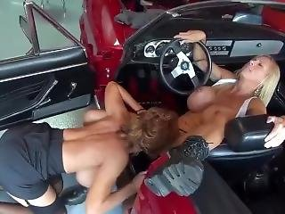 Lesbians Mechanic Milfs