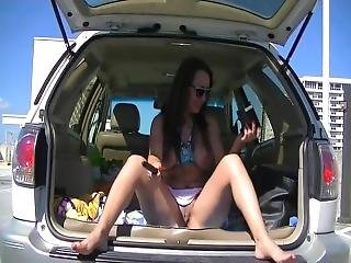 Voyeurchamp - Vanessa Flashing And Masturbating In Her Car