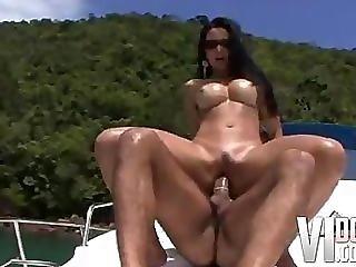 Chick, Pijp, Boot, Kontje, Braziliaans, Rondbostig, Doggystyle, Neuken, Hardcore, Latina, Likken, Poes, Rijden