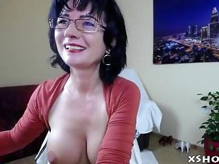 Gorgeous Cute Slut Orgasm On Live Cam