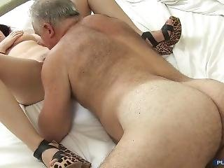 Fit Spanish Daddy Fucks Pale Shaved Cunt Latin Gil
