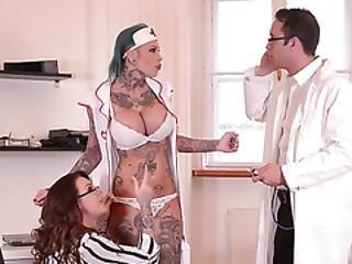 store pupper, blond, pupp, cumshot, facial, sykehus, undertøy, sex, spytt, tattovering, trekant