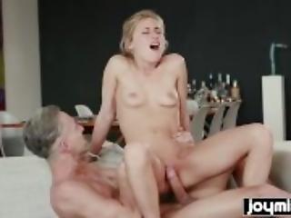 Horny art student Lindsey Cruz fucks nude male model