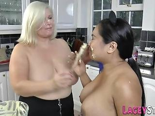 Gran Gets Banana In Cunt From Fetish Lesbian