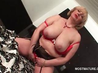Sexy Mature Flashing Her Shaved Pussy And Tits