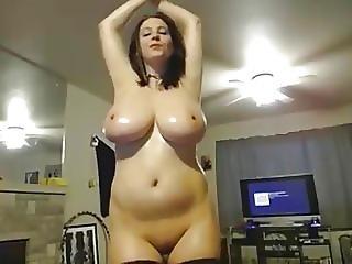 Girl Wit Huge Tits 4