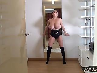 bonasse, gros téton, brunette, danse, milf, nue, star du porno, poser, solo, sans haut