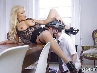Ass Riding Anal Creampie Having Her Way With A Rookie
