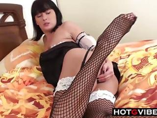 Sexy Cleaning Woman Wants Cock