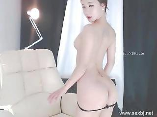 Cute Korean Camgirl