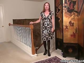 American Milf Kelli Needs Pleasuring Her Hairy Cunt