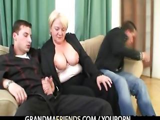 kociak, podwójne jebanie, ruchanie, babcia, babunia, dojrzała, stara, rzeczywistość, seks, trójkąt, młoda