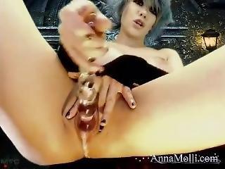 Anna Molli - Dripping Pussy