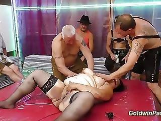 Anaali, Typykkä, Pano, Kimppapano, Saksalainen, Ryhmäseksi, öljytty, Pulleampi
