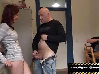 18j�hrige In Den Arsch Gefickt,und Ihr Bruder Schaut Zu.