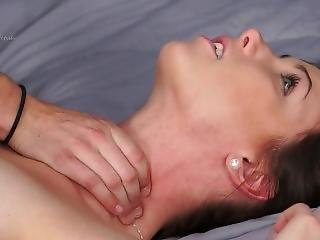 Lesbain Choking
