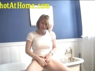 Gorgeous Milf Fingers Herself In The Bathroom