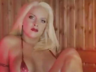 Heiss Und Feucht (lesbian Pool Music Edit)