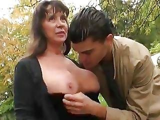 Grand Mere Coquine Double Penetration