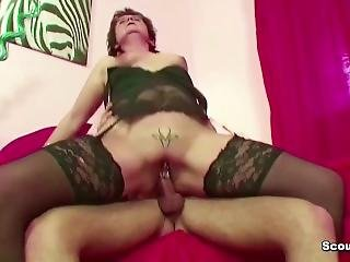 Step-mom Caught Son Watch Porn And Help With Fuck