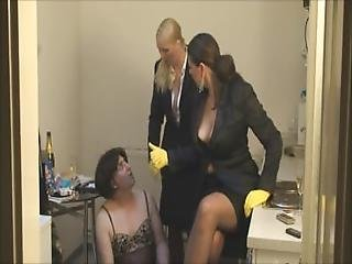 Lady Asmondena Cleaning Slut