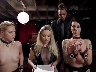 Anal, Araber, Stort Bryst, Blond, Bondage, Brunette, Fetish, Pornostjerne, Rå, Sex, Små Bryster