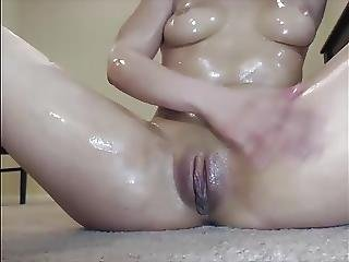 Exotic Fit Babe Teasing Webcam Oil Show