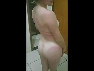 Carlinha Transando No Banheiro
