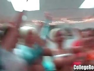 Amateur College Girls Go Wild Dorm Party