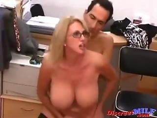 Juicy milf fucked