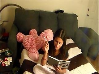 Yesenia Blackmails You Into Watching Her Masterbate